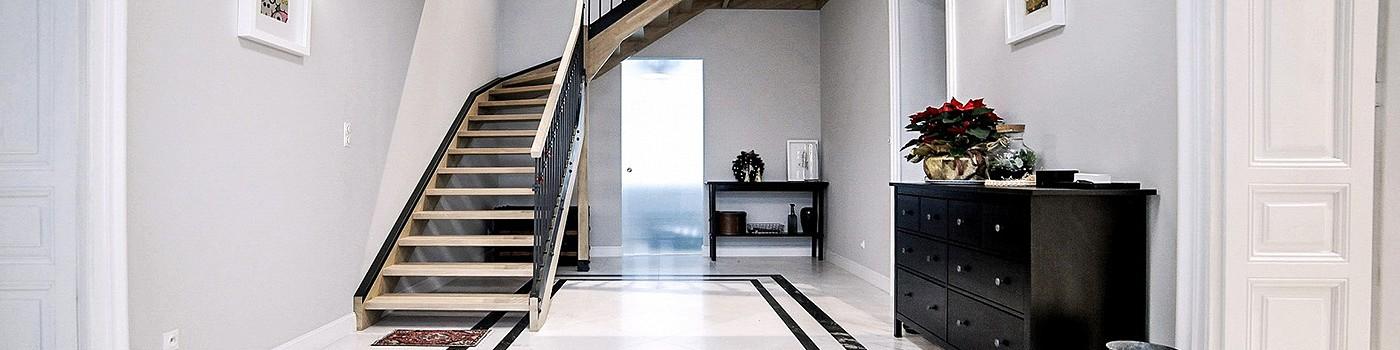 Trwałe i stylowe schody z granitu
